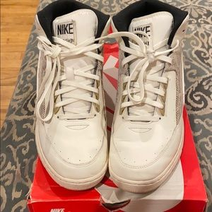 NIKE AIR PYTHON SNEAKERS SIZE 10.5